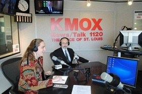 Kahn and Anderson rehearsing on KMOX. - IMAGE VIA