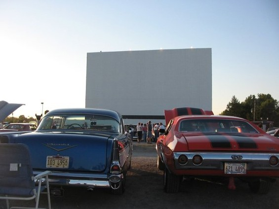 Classic Car Night '05 - SKY VIEW DRIVE-IN
