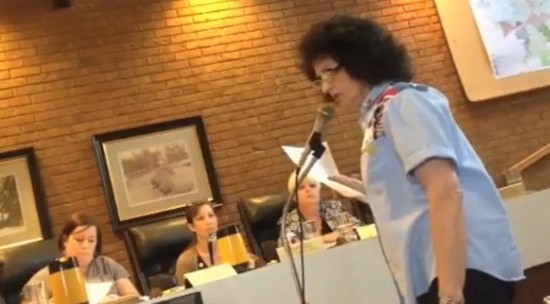 Patti Murphy speaking at a city council meeting. - VIA BALLWIN-ELLISVILLE.PATCH.COM VIDEO