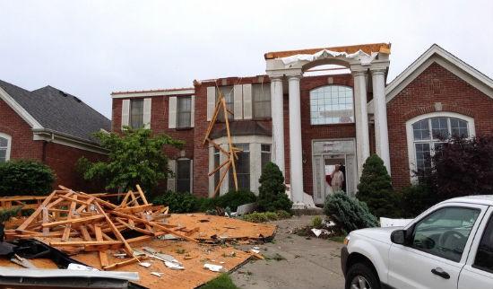 STL_tornado_damage_5.jpg