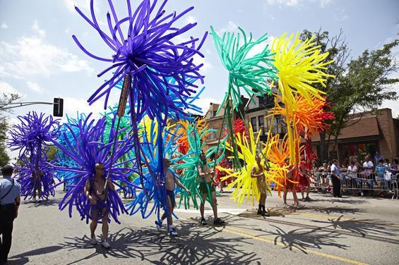 2010_pridefest_parade.4989424.87.jpg