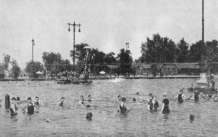 The old Faigrounds Pool in north St. Louis is the type of massive swimming hole this community desperately needs. - STLOUIS.MISSOURI.ORG