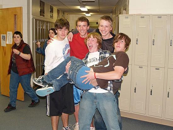 High school sagging! - VIA