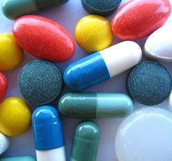 Online retailer peddled more than just pills, according to feds.