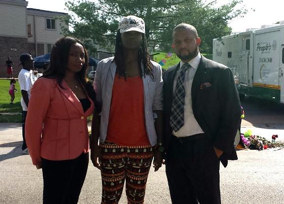 Mya Aaten-White, center, with her attorneys Verona Swanigan and Marwan Porter. - JESSICA LUSSENHOP