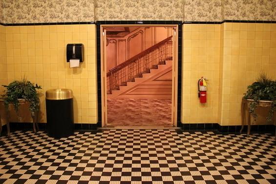 Foxbathroom3.JPG