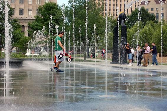 fountains3citygarden420pics.jpg