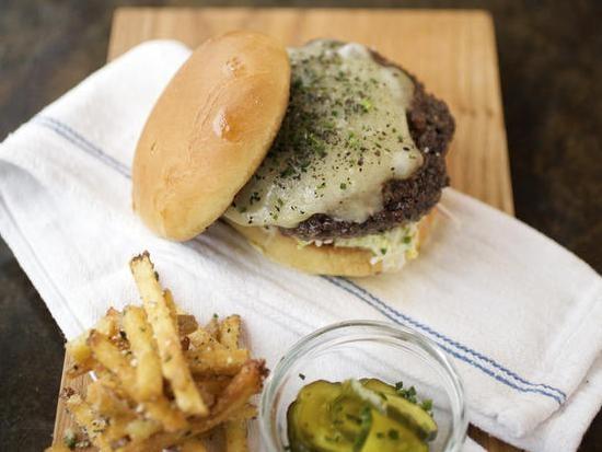 """The """"Tavern Burger"""" at the Tavern Kitchen & Bar - JENNIFER SILVERBERG"""