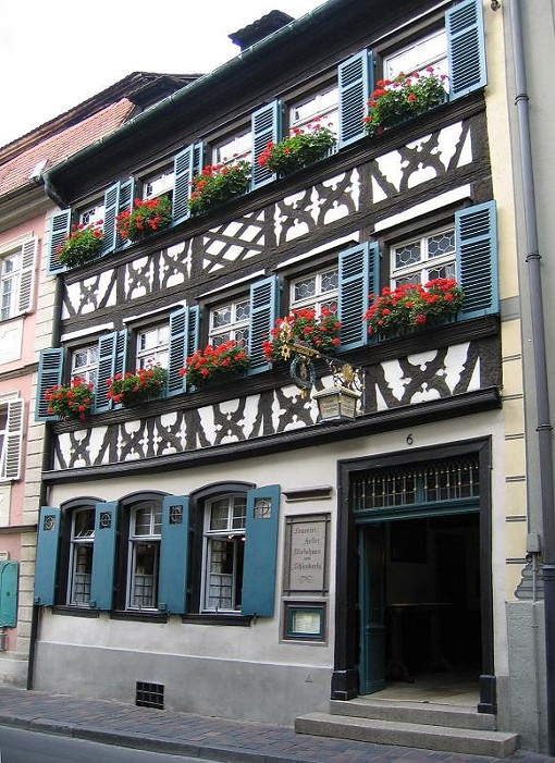 "A Bamberg pub - USER ""ASIO OTUS,"" WIKIMEDIA COMMONS"