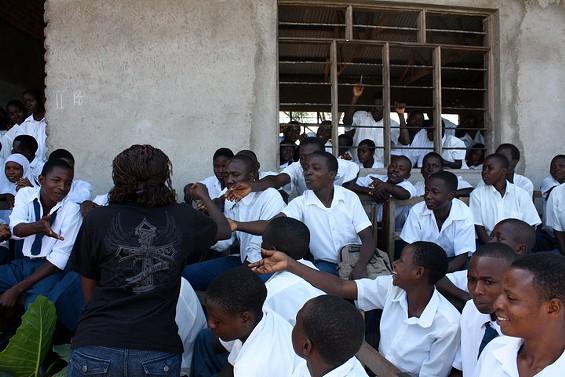 A chocolate tasting at the village school in Tenende, Tanzania. - ASKINOSIE CHOCOLATE