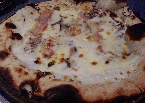 Pizza with white sauce, mushrooms and pancetta. | Nancy Stiles