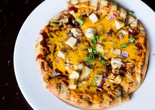 Barbecue chicken pizza. | Photos by Mabel Suen