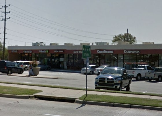 The shopping center on Dorsett where Lampert's was located. | Google Street View