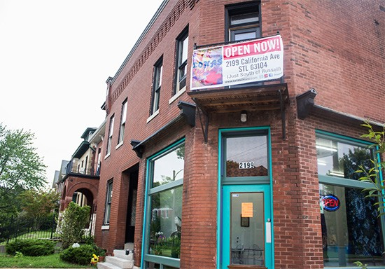 Lona S Lil Eats New Storefront Serves Asian Soul Food In