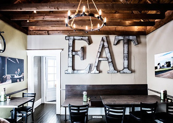 Inside Plank Road Pizza. | Jennifer Silverberg