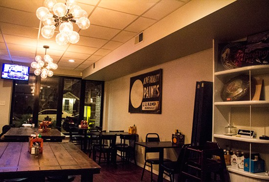 The dining room at Tamm Avenue Grill.