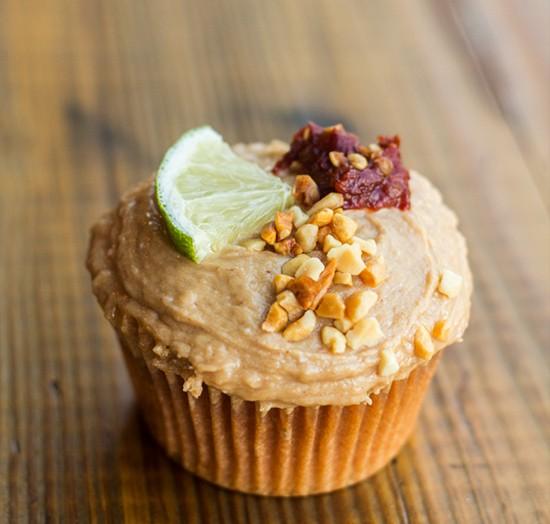 Stimulus Baking Company's Pad-Thai cupcake. | Photos by Mabel Suen