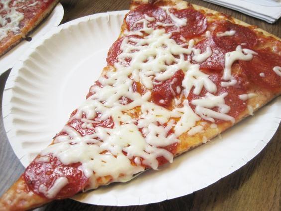 The pizza at La Pizza - IAN FROEB