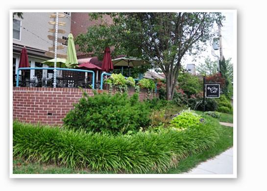 Oh, what a lovely patio for brunch! | Tara Mahadevan