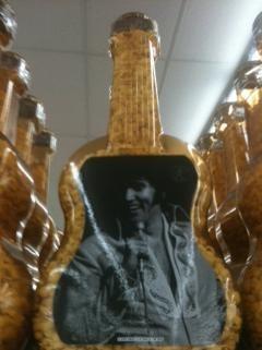 Hunka hunka burning plastic popcorn guitar. - ROBIN WHEELER