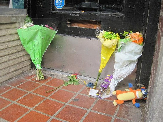 Flowers at the entrance to Gyro House in University City - IAN FROEB