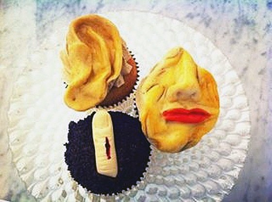 SKIN DEEP AND GHOULISH CUPCAKES AT LA PATISSERIE CHOUQUETTE | PATRICK DEVINE