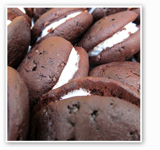 Impress your holiday guests with the homemade whoopie pies you'll learn to make this weekend. | Seelen Sturm