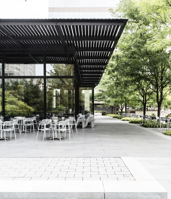 The patio at Death in the Afternoon. | Jennifer Silverberg