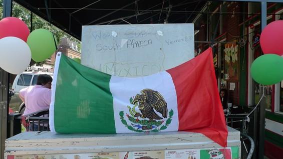 Mexico vive aqui. - PHOTOS BY KEEGAN HAMILTON