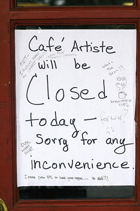 Customers replied to the closing news in a variety of ways on this sign.