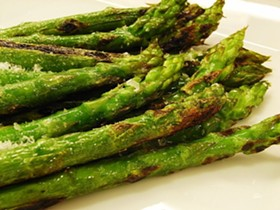 Asparagus, lookin' all tasty. Don't be fooled. - IMAGE VIA