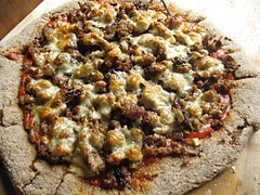 Help Kate divide the pizza, Anderson! - WIKIMEDIA COMMONS