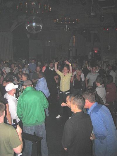 Crowd2_thumb.jpg