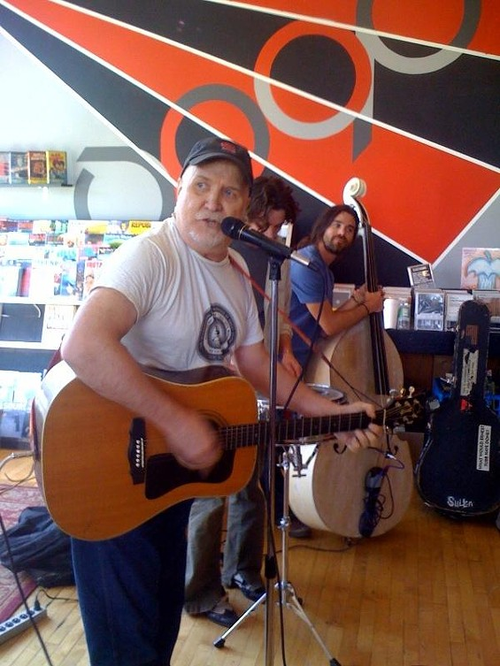 Bob Reuter performs at Apop Records on Record Store Day - NICK LUCCHESI