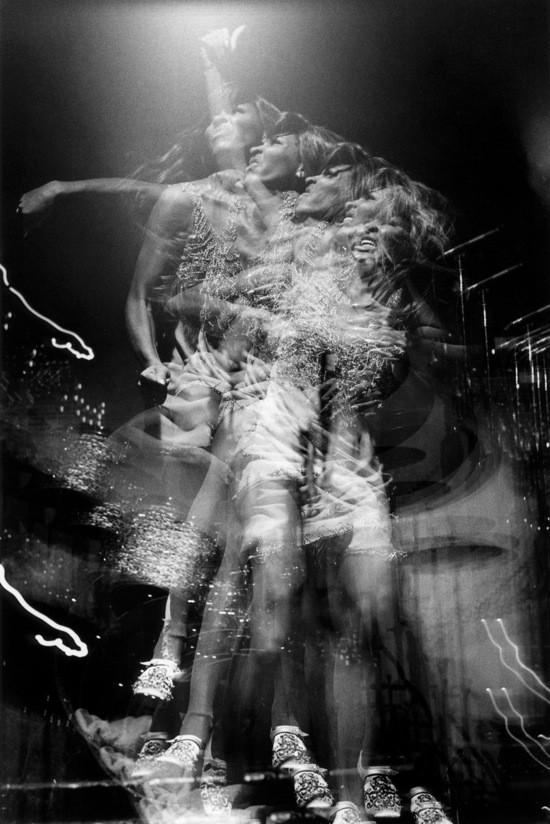 TINA TURNER IN 1970. PHOTO BY BOB GRUEN