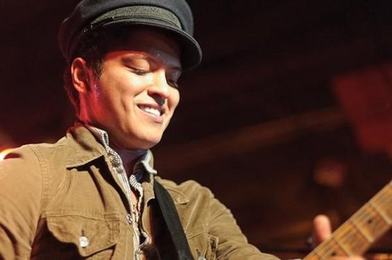 Bruno Mars at Pop's - JASON STOFF