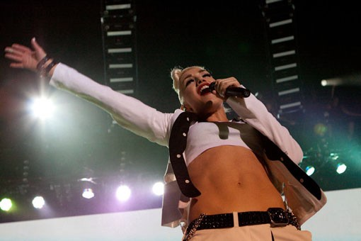 Gwen Stefani and her amazing, killer abs. Slideshow here. - KENNY WILLIAMSON