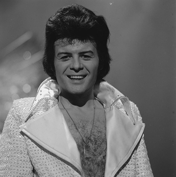 Gary Glitter on Top of the Pops in 1974. - WIKIMEDIA COMMONS