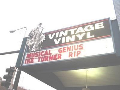 Ike_Turner_Vintage_Vinyl_RIP001_thumb.JPG