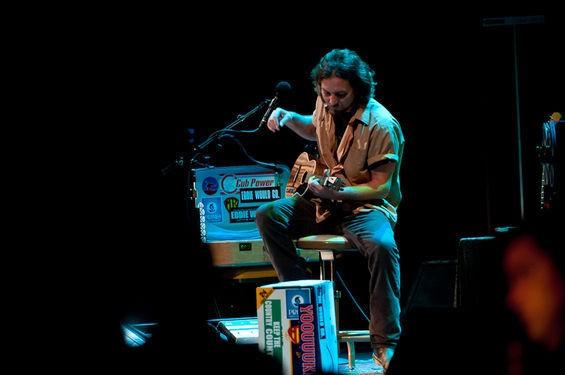 Making ocean waves on a ukulele. - JASON STOFF