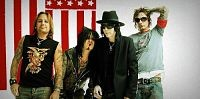 motley_crue_july01_opt_opt.jpg