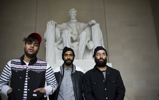 Das Racist loves white people.