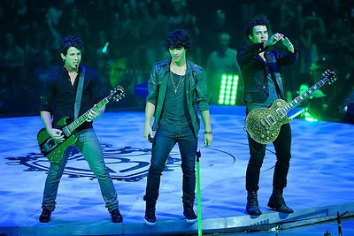 the_jonas_brothers_phenomenon_7_28_09.3680205.36.jpg