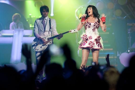 Katy Perry - Sunday, August 17 @ Scottrade Center. - JON GITCHOFF FOR RFT