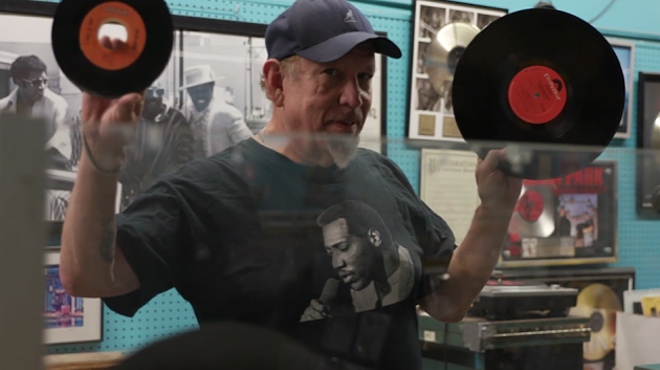 "Tom ""Papa"" Ray explains the difference between a 45 and an LP — and why they'll always be superior to mp3s. - SCREENSHOT"