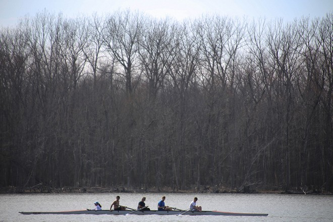 A rowing crew on Creve Coeur Lake. - PHOTO COURTESY OF FLICKR/PAUL SABLEMAN