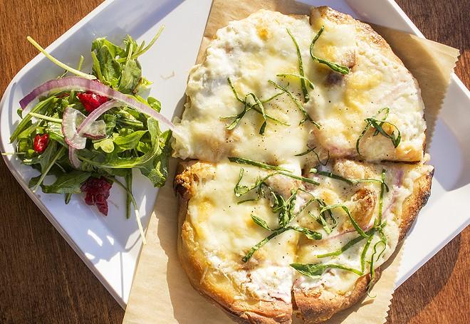 Pizza bianca. - MABEL SUEN