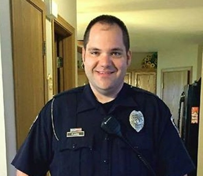 Ballwin Police Office Mike Flamion - IMAGE VIA BALLWIN POLICE DEPARTMENT.