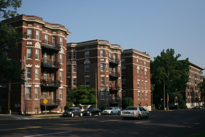 Apartments on Union Avenue in St. Louis. - FLICKR/PAUL SABLEMAN