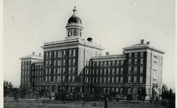 An 1872 photo of the St. Louis County Insane Asylum. - COURTESY OF AMANDA HUNYAR